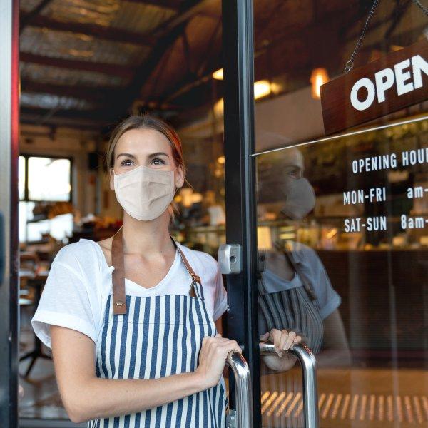 Distanciamiento social en negocios de alimentos